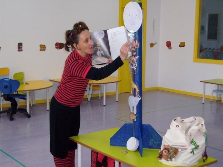 Espazo Lectura na escola infantil de Mos