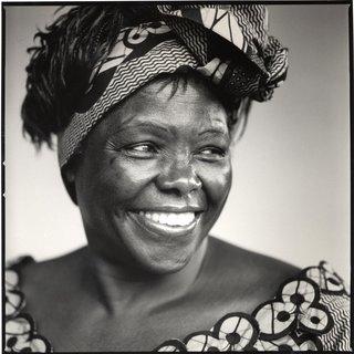 A premio Nobel da Paz Wangari Maathai, protagonista na Casa da Lectura