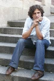 O escritor Alberto Lema estará mañá no club de lectura Sete Vidas