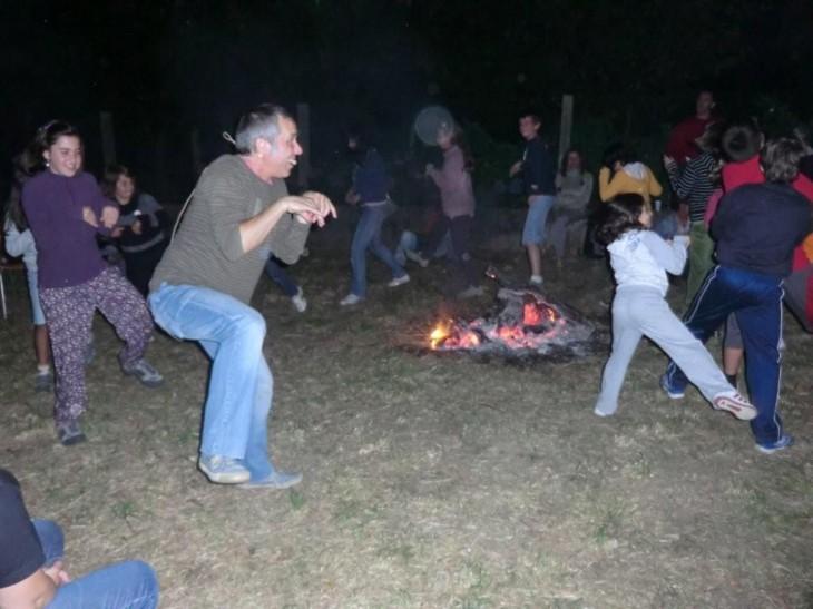 Versos a carón do lume para a noite de san Xoán