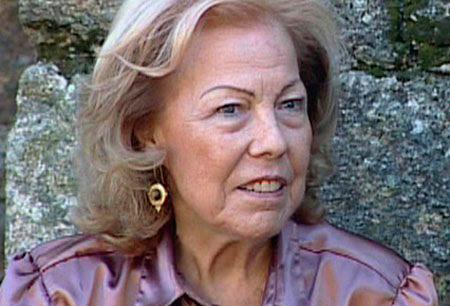 María Xosé Queizán no club de lectura Sete Vidas