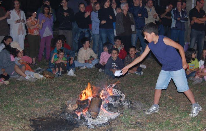 A Fogueira dos Versos, na noite de San Xoán, porá o broche final á tempada de actividades 2012-2013