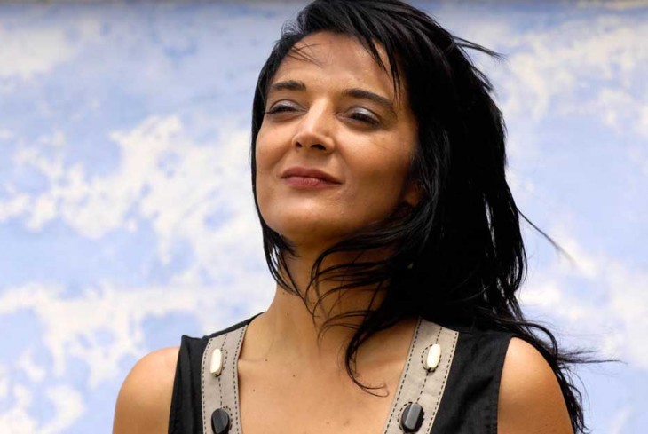 A escritora Rexina Vega estará este marte no Sete Vidas