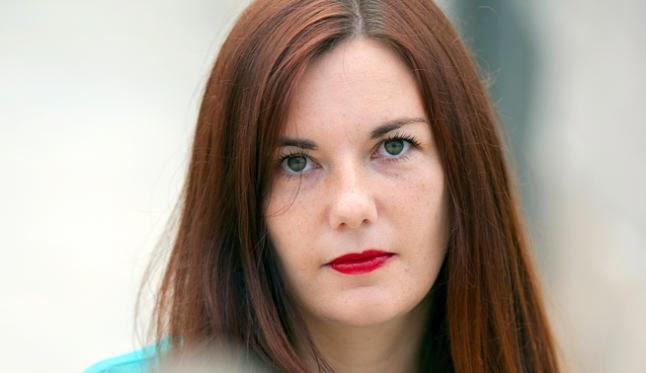 """A escritora Ledicia Costas visita o Lendo Contigo para falar de """"Escarlatina, a cociñeira defunta"""""""