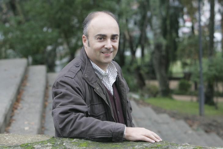 O escritor Antón Riveiro Coello participará este xoves no club de lectura Sete Vidas para falarnos da súa última novela