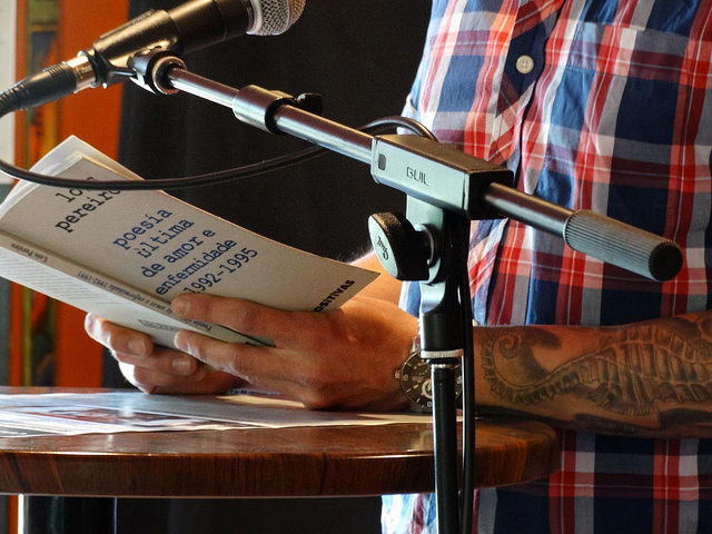 Participa no XI Dar de ler coma quen dá de beber, con motivo do Día do Libro
