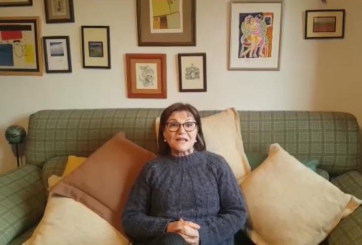 A escritora e académica Fina Casalderrey apoia a campaña «Por unha biblioteca digna» para Gondomar