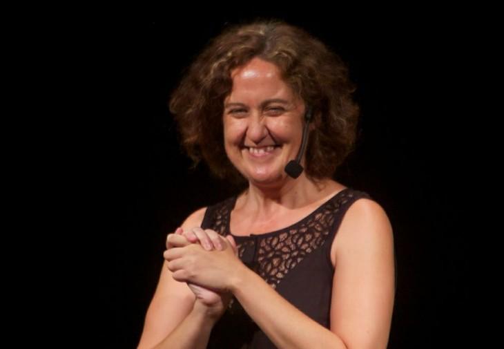 A actriz, escritora e contadora Paula Carballeira, para despedir o ano na Casa da Lectura