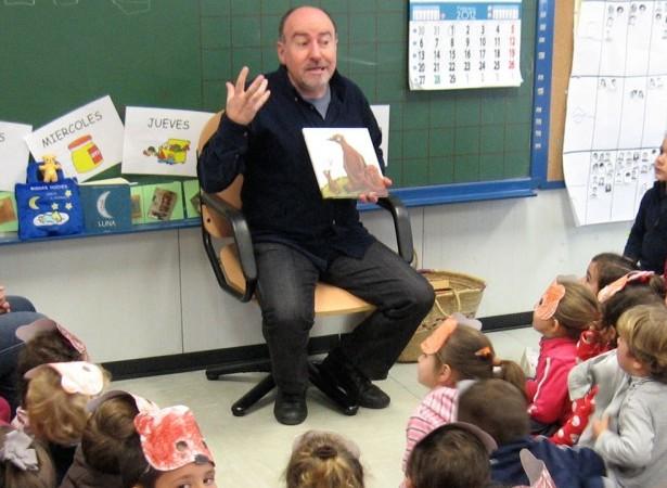 Xosé Ballesteros visita o Lendo Contigo para falarnos das «Fábulas de Esopo»